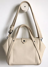 Load image into Gallery viewer, plum frrry bag. champagne colour. chrome-free tanned leather. shoulder strap.