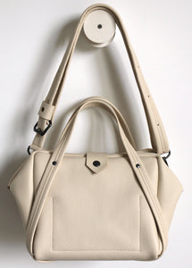 plum frrry bag. champagne colour. chrome-free tanned leather. shoulder strap.