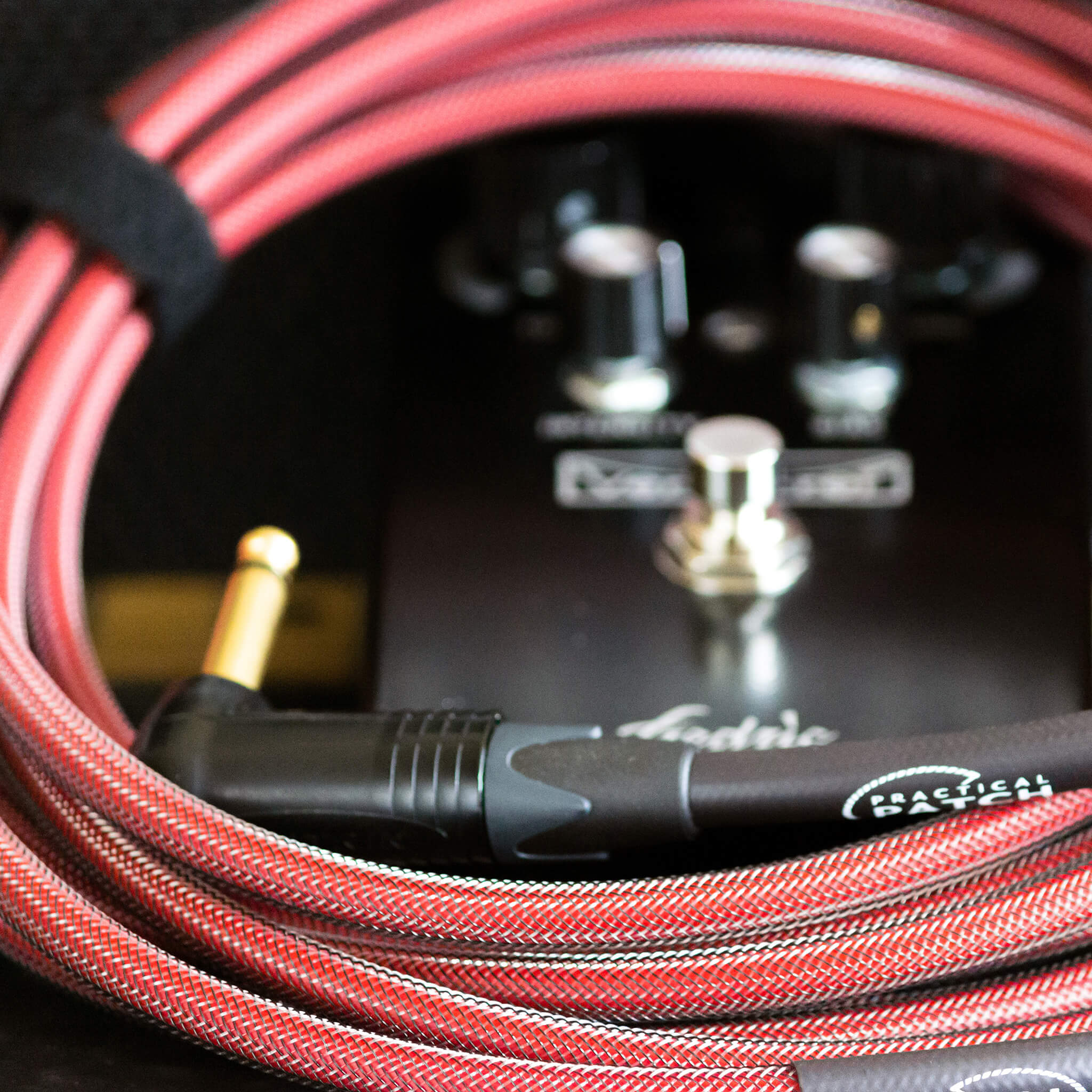 PRACTICAL PATCH Instrument Cable 15ft Oxblood Context - Boost Guitar Pedals