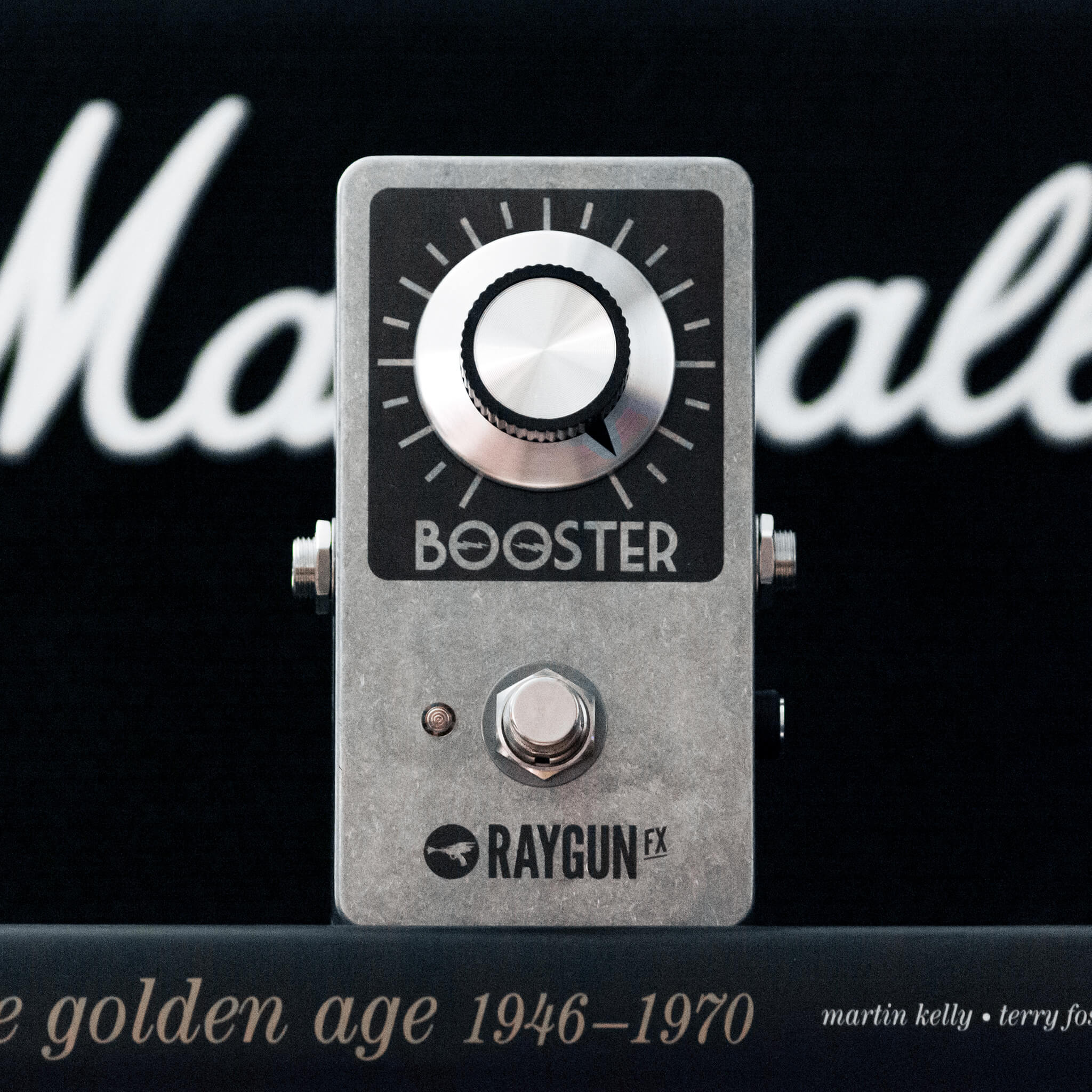Raygun FX Vintage Booster Context - Boost Guitar Pedals