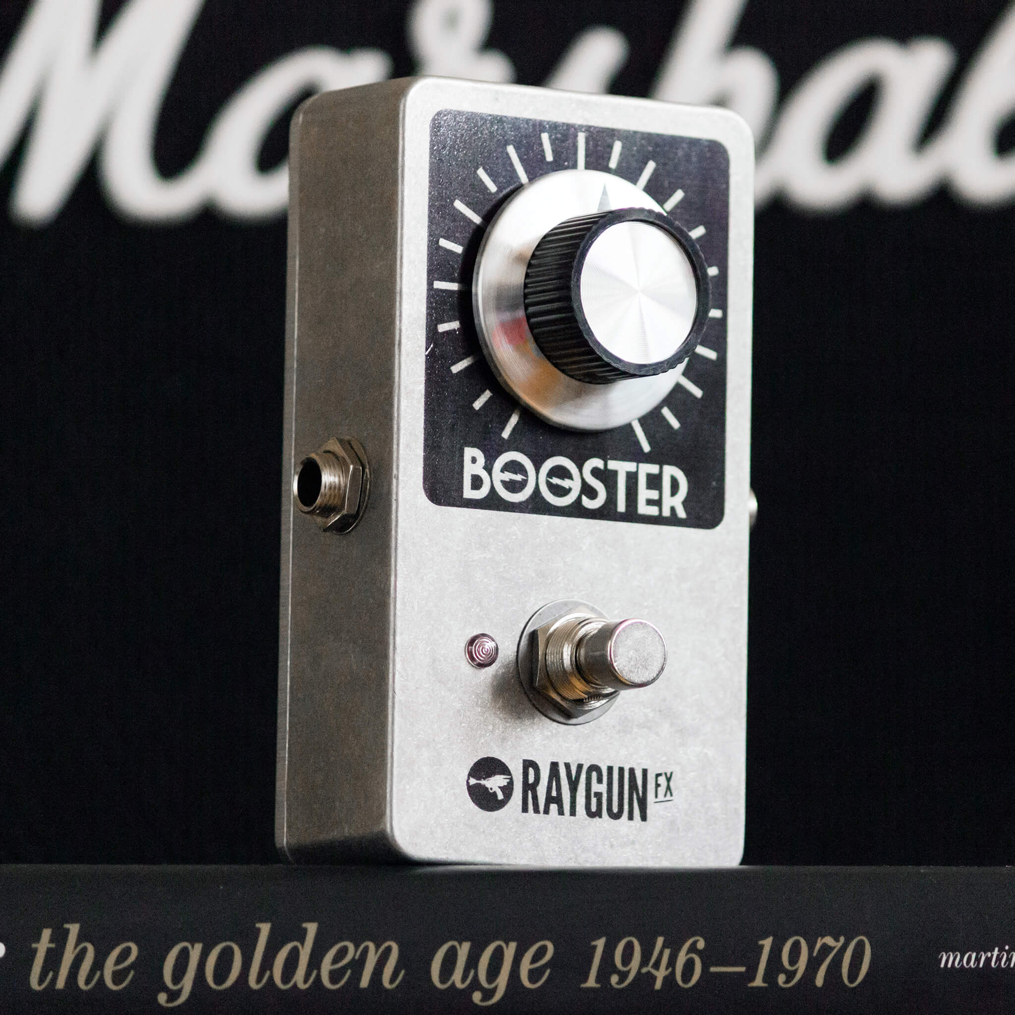 RAYGUN FX Vintage Booster Right - Boost Guitar Pedals