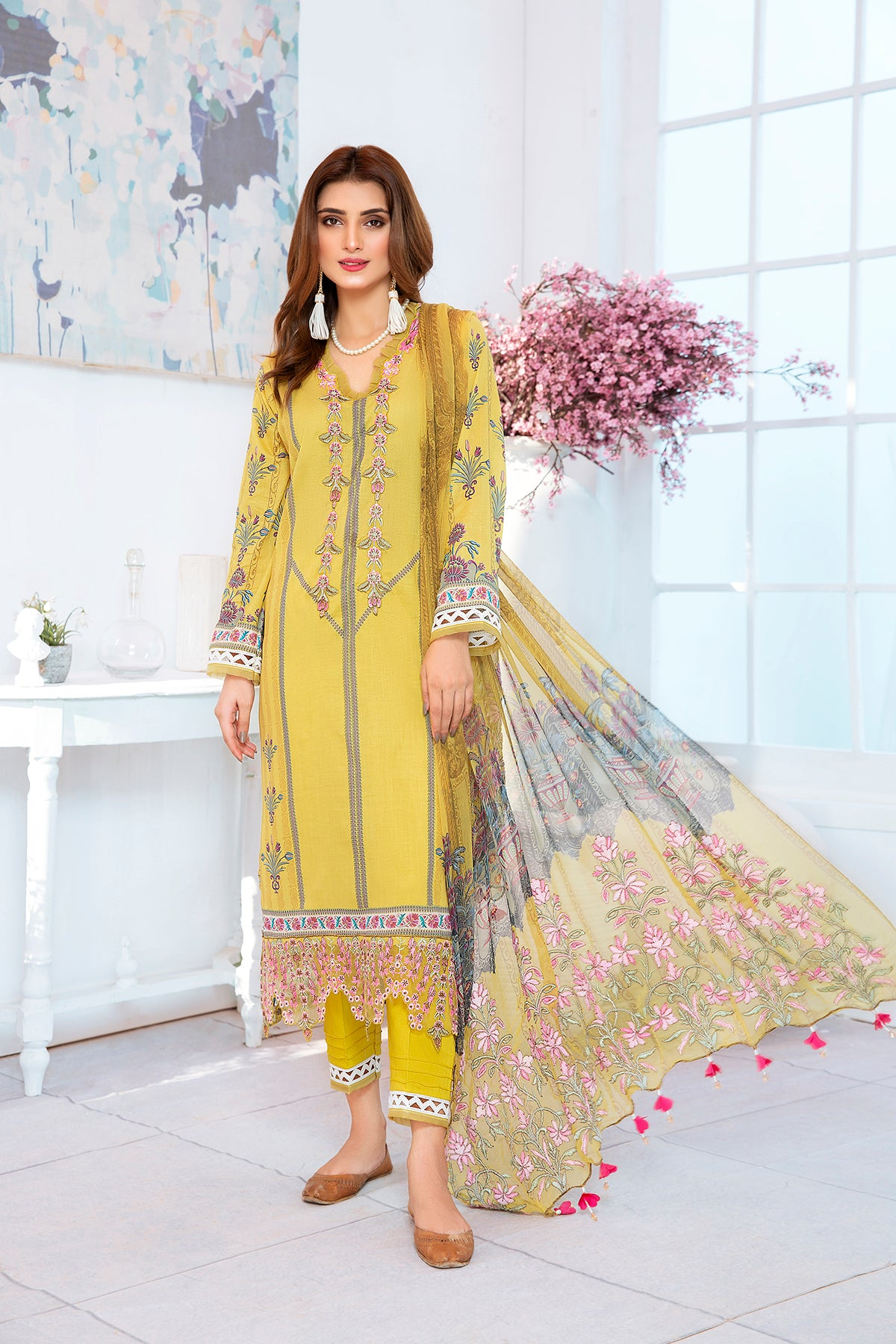 123636- Printed Embroidered  Lawn 3PC