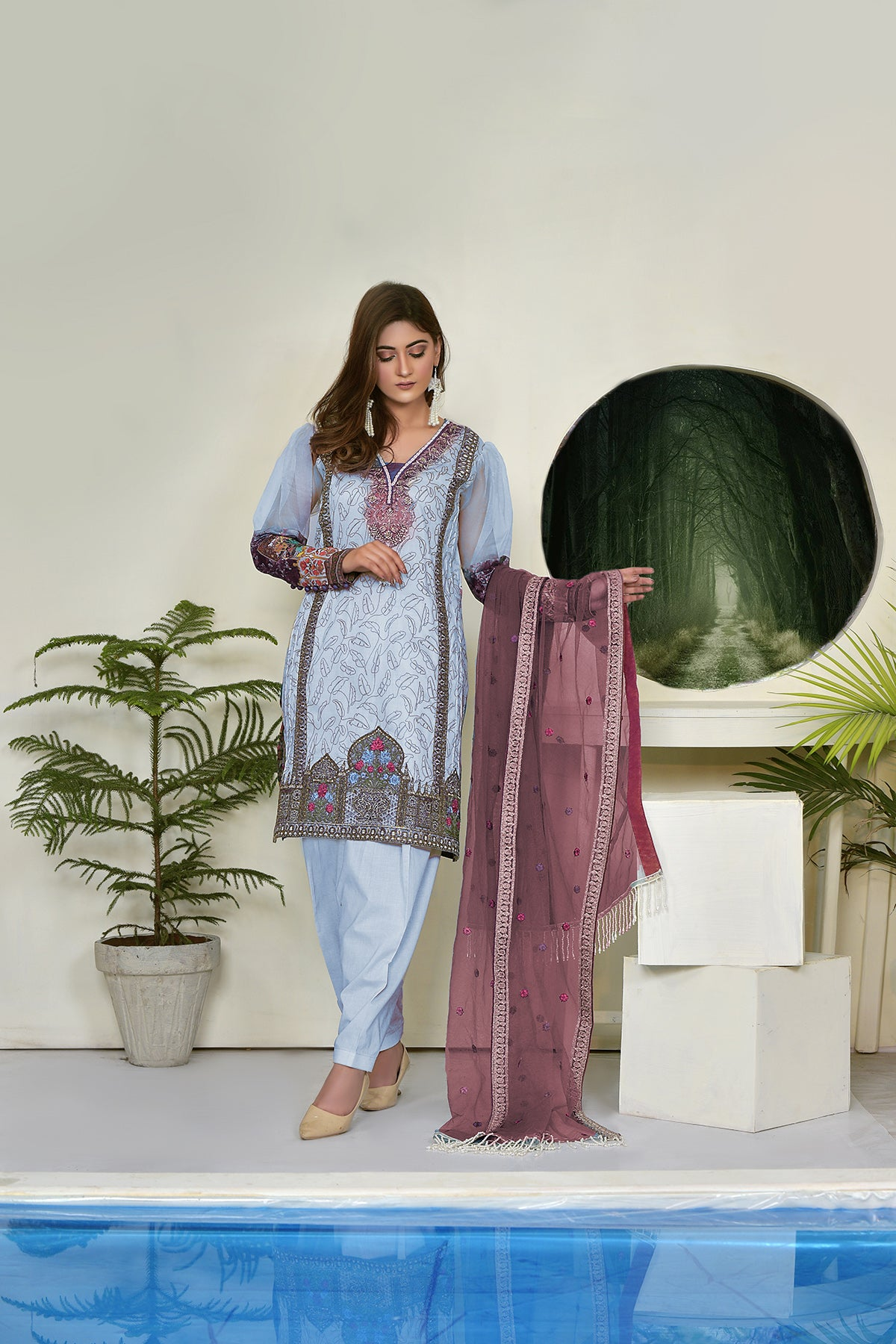 123715- Printed Embroidered Lawn 3PC