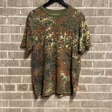 Load image into Gallery viewer, Supreme Camo Tee