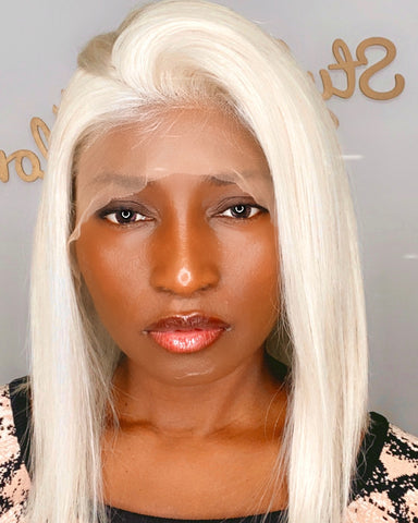 Lace wig platinum blonde