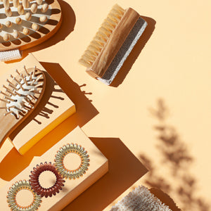 Bathroom accessories including matching brown coloured spirabobbles