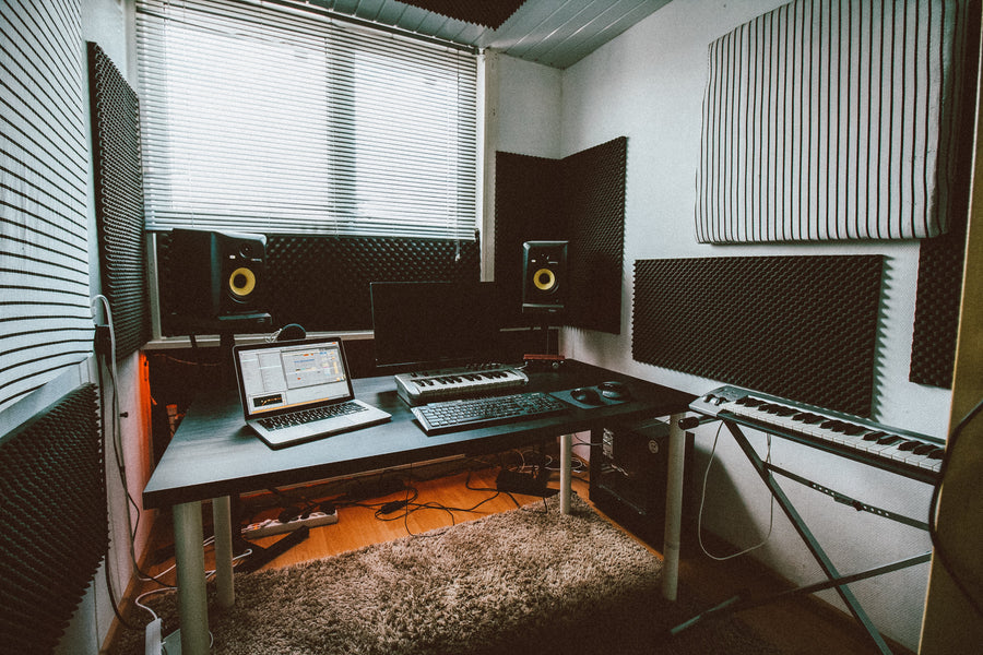 5 TIPS FOR RECORDING MODERN POP VOCALS IN YOUR HOME STUDIO