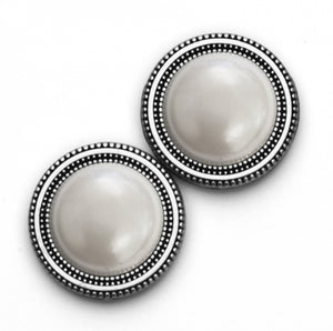 Magnetic Scarf Button - Pearl Dome in Silver Base