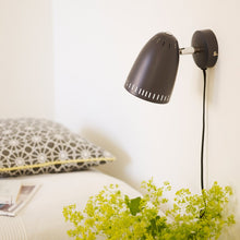 Load image into Gallery viewer, Dynamo Short Wall lamp, matt Almost Black