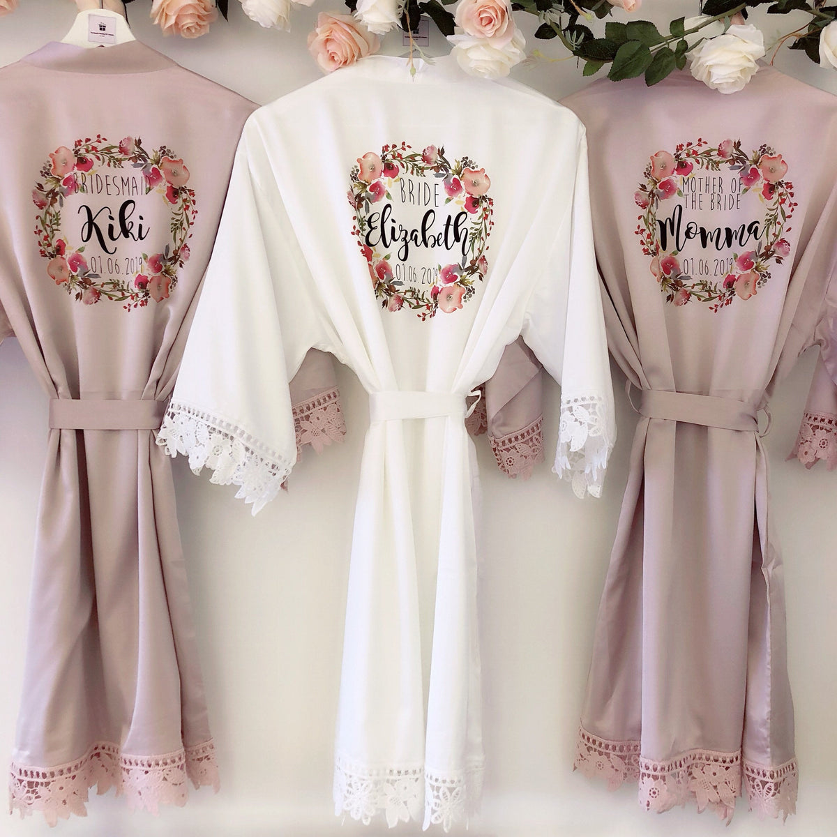 PEARL FLORENCE robe with pink floral wreath