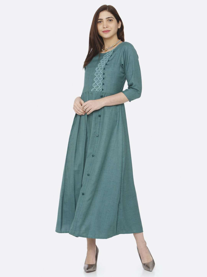 Causal Green Embroidered Rayon Slub Dress