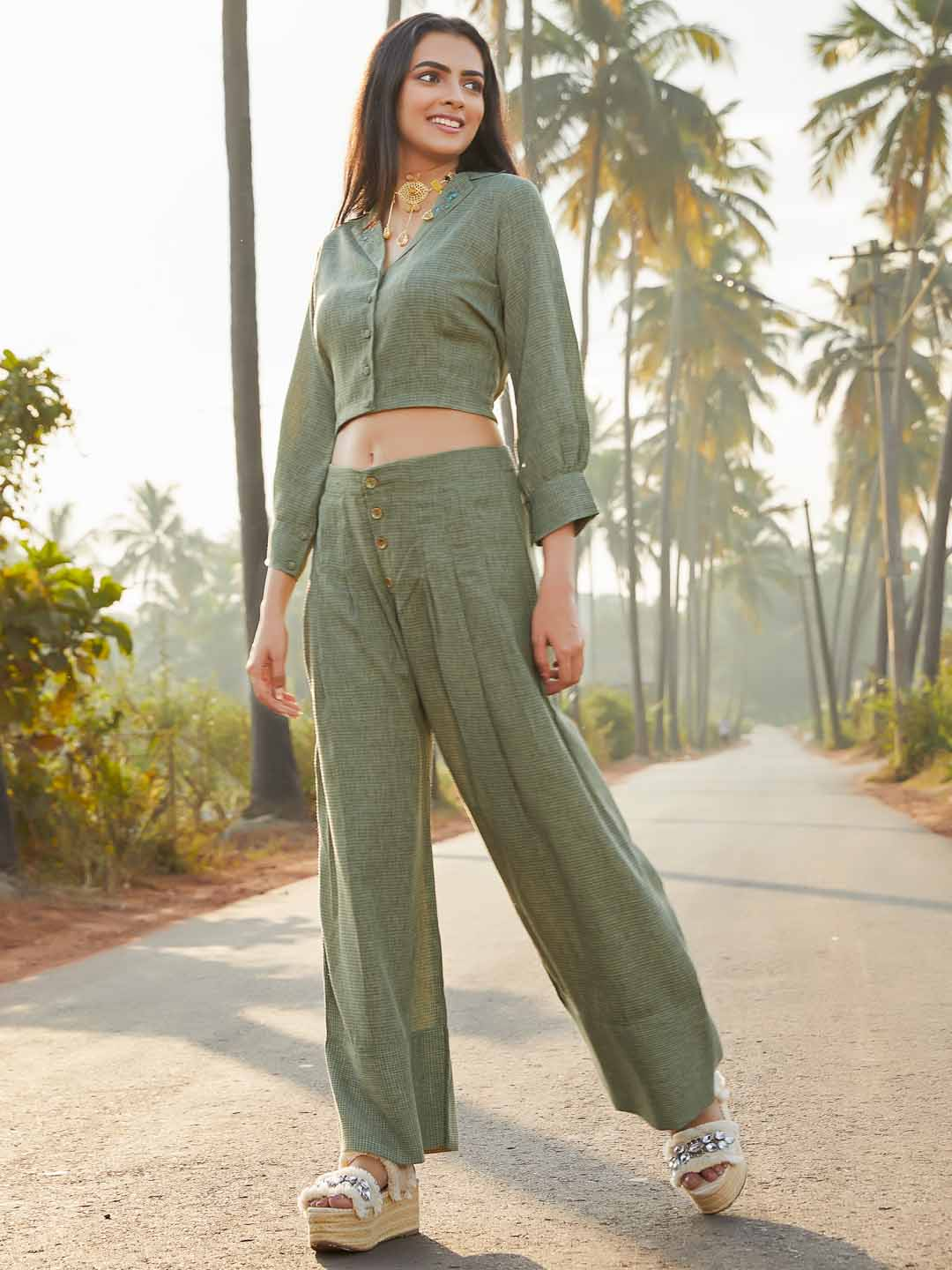 Front Side Green Checks Straight Crop Top With Pant