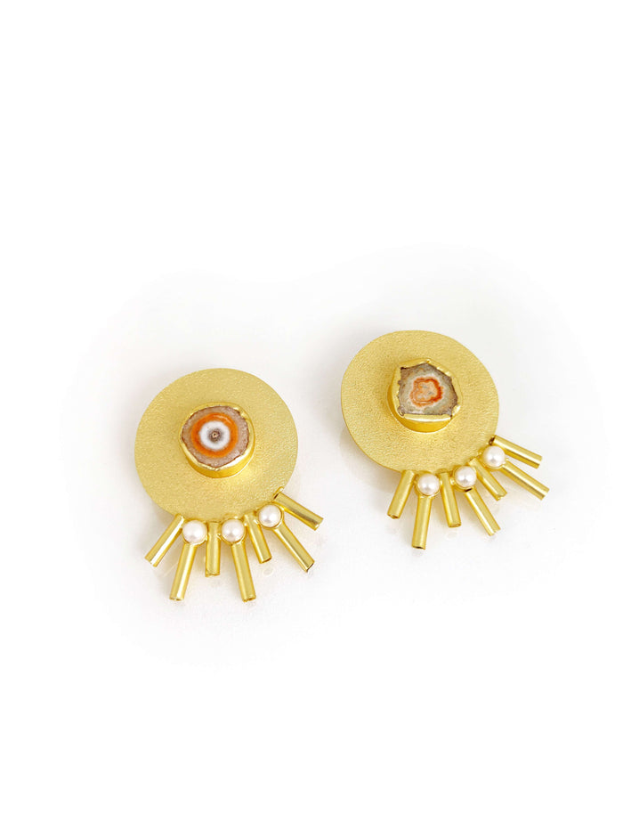 Off White & Gold Plated Handcrafted Stud