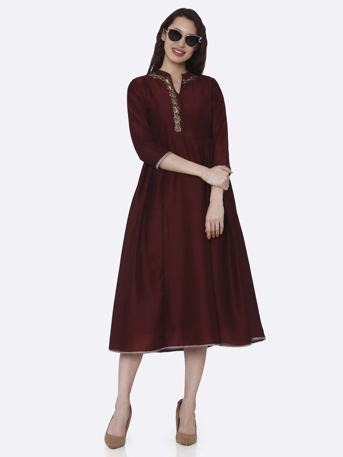 Full Front Side Casual Maroon Embroidered Viscose Long Plain Kurti
