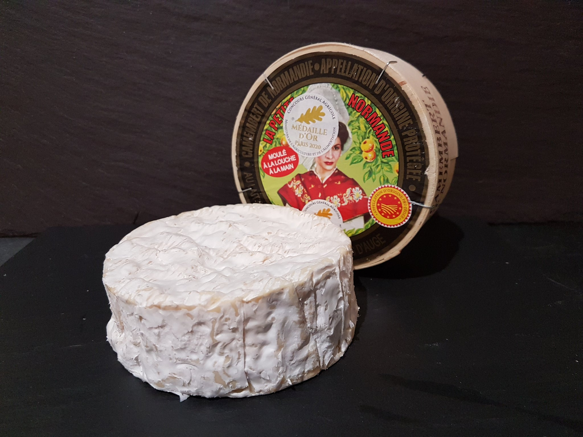 Camembert (raw milk)
