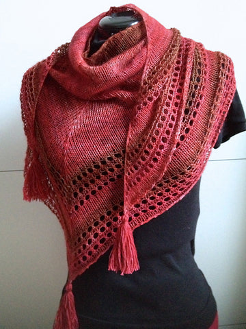 Light and Up shawl using Malabrigo Sock yarn - Free Pattern Friday