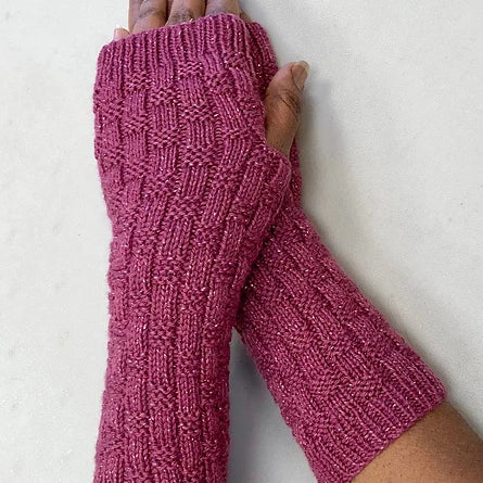 F927 Long Textured Fingerless Gloves Free PDF Download