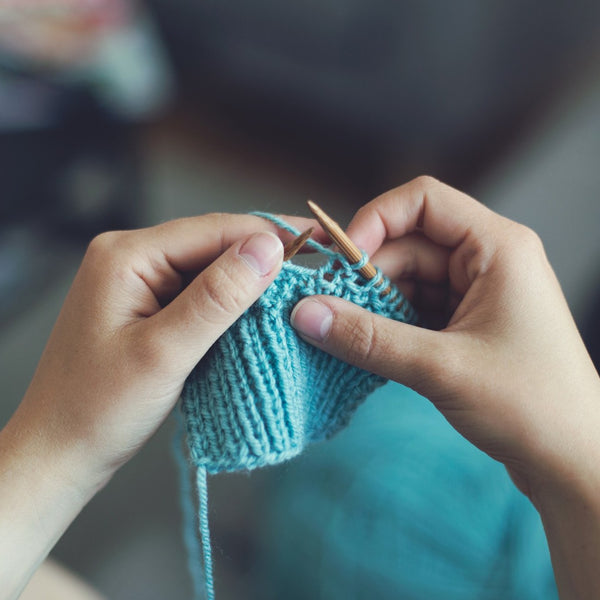 learn to knit  //  MYSTERY BOX