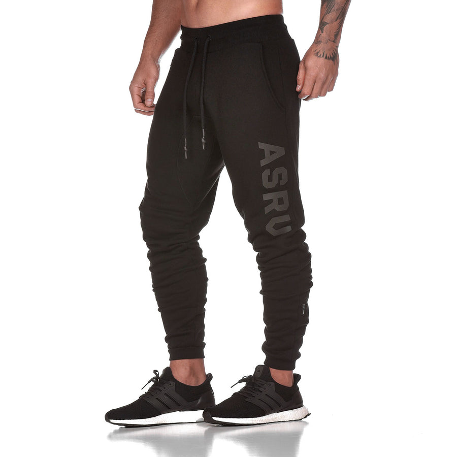 0172. RainPlus™ Essential Fleece Jogger - Black