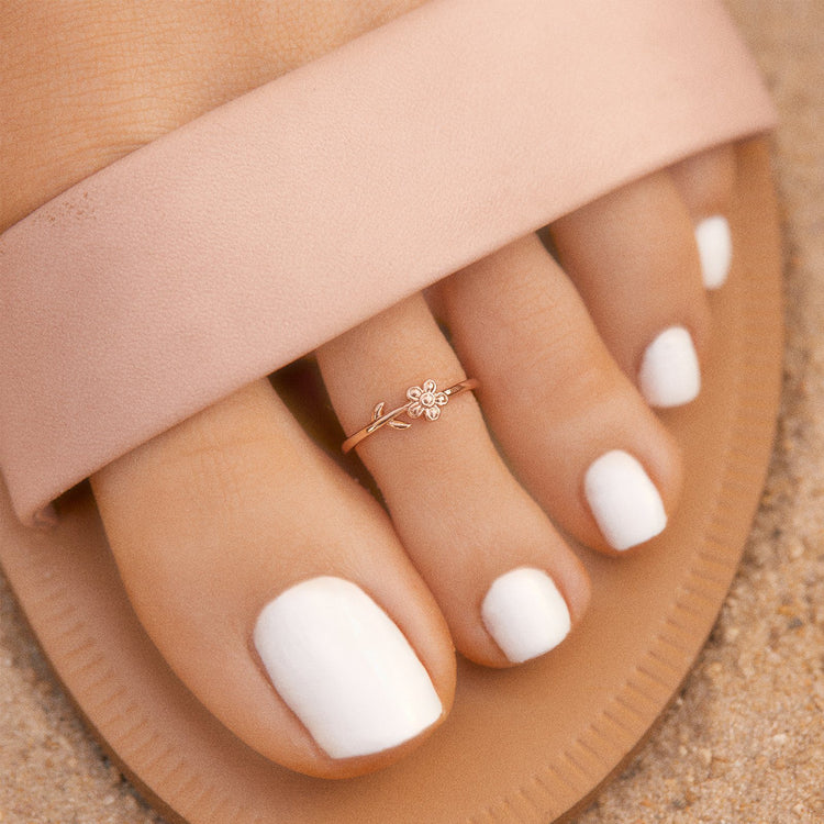 Single Daisy Toe Ring