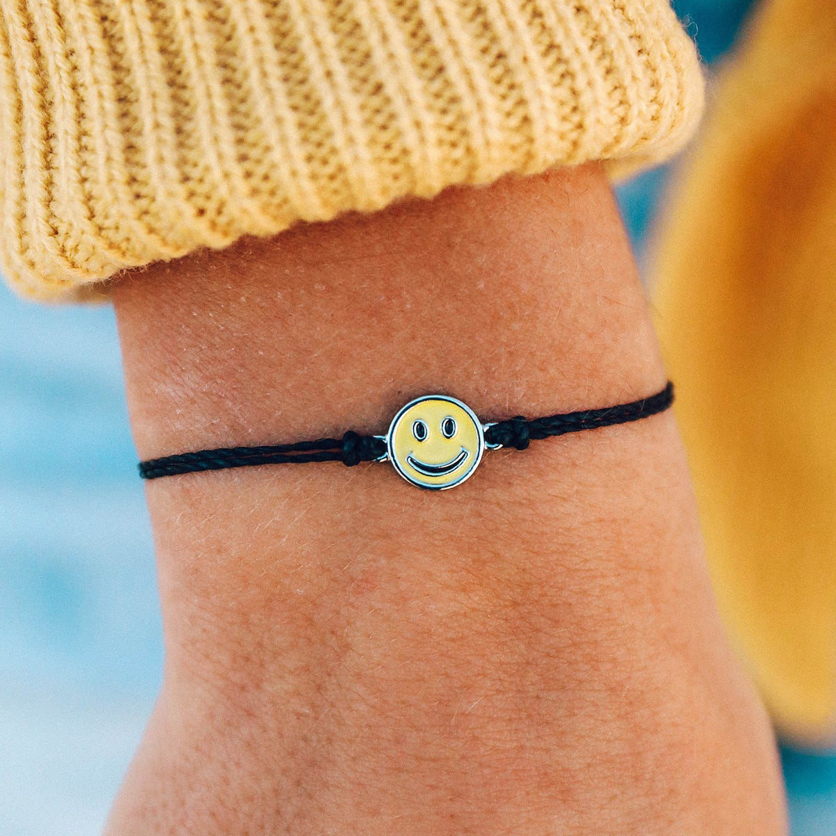 Happy Face Charm 4