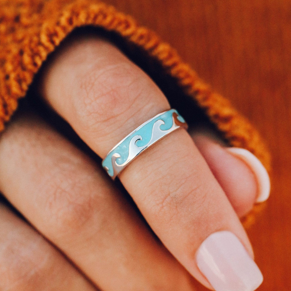 Reversible Enamel Wave Ring 4