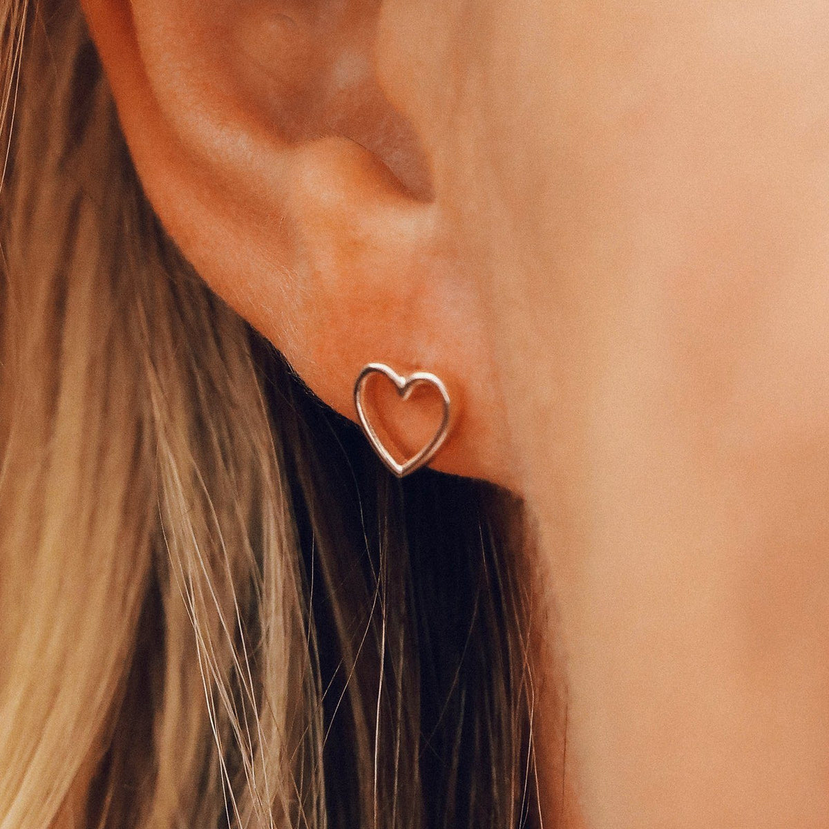 Open Heart Stud Earrings 4