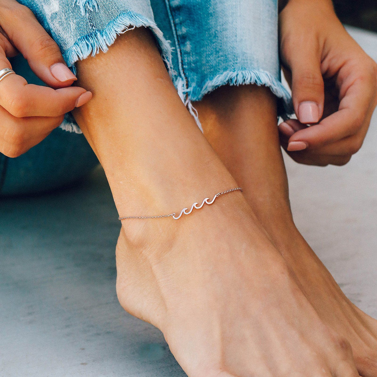Delicate Wave Anklet Photo 5