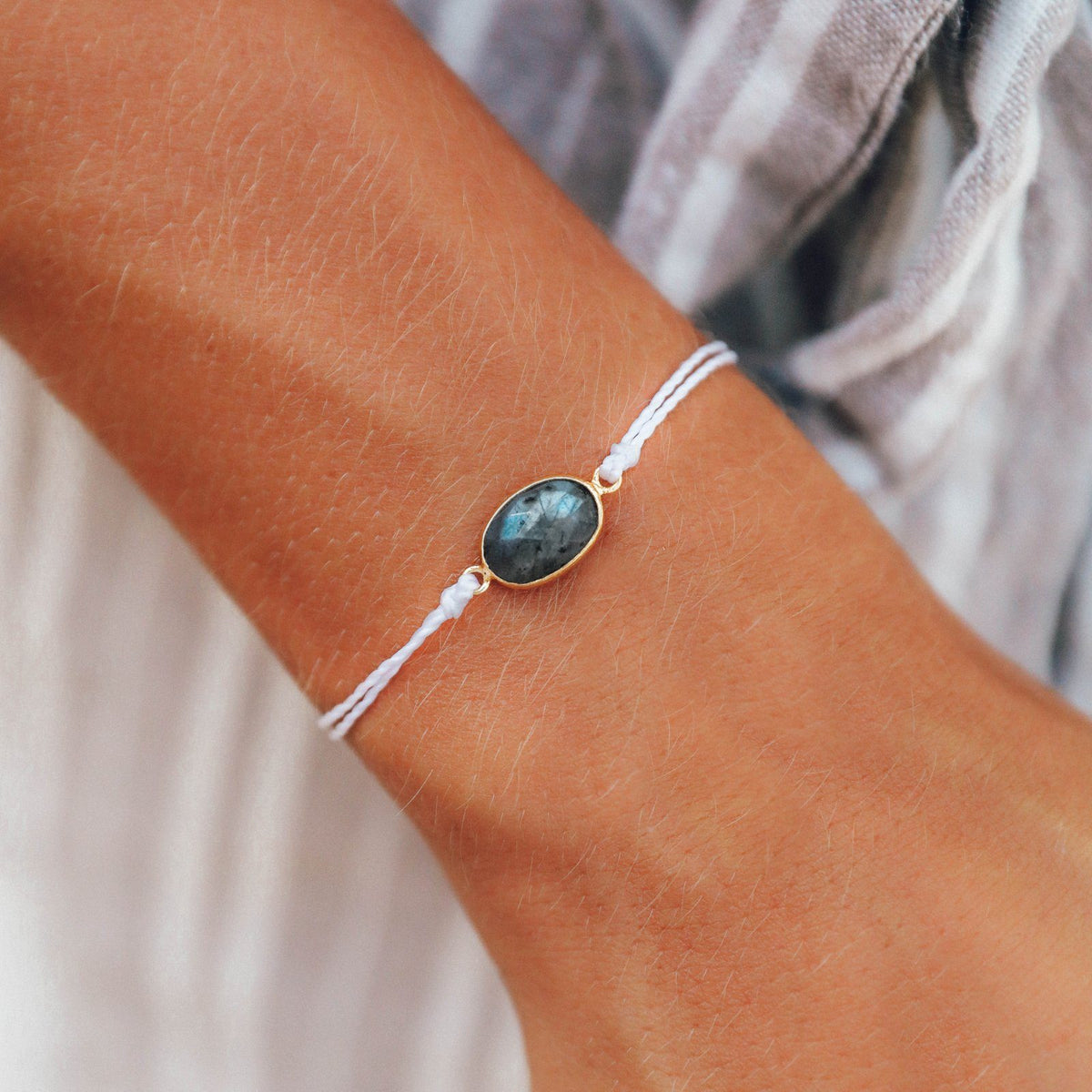 Oval Labradorite Bracelet Photo 2