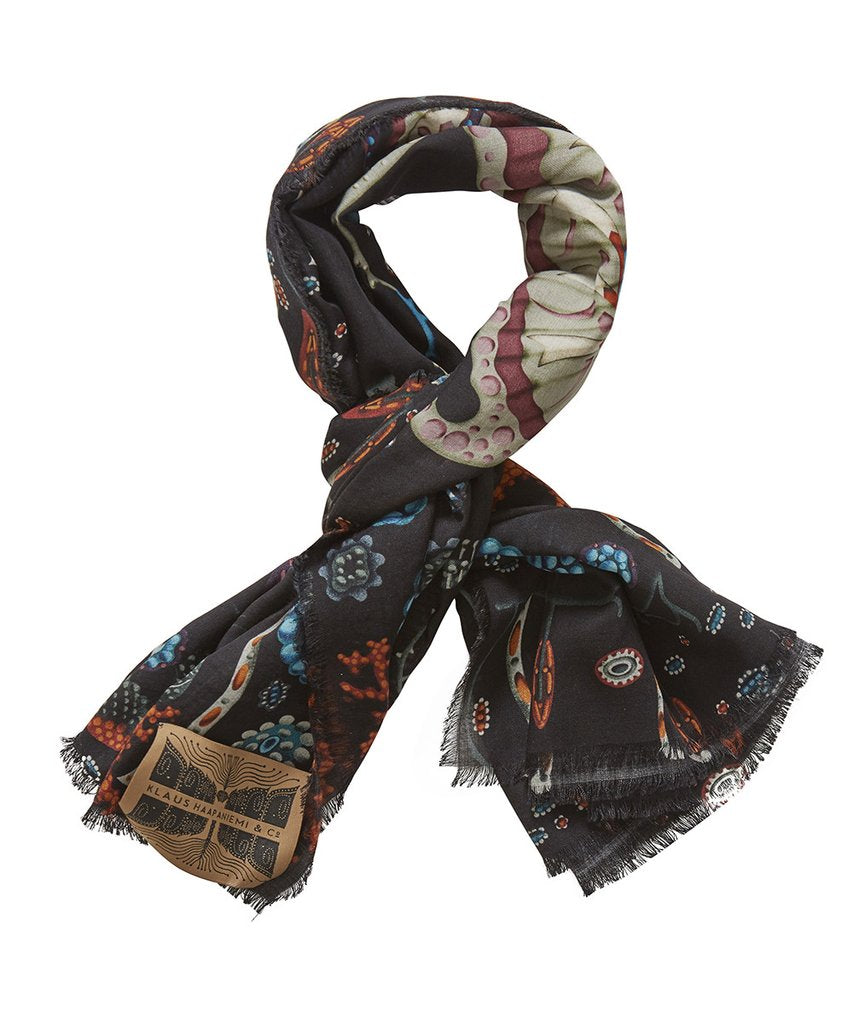 Black Lake Vili Scarf | Klaus Haapaniemi & Co.