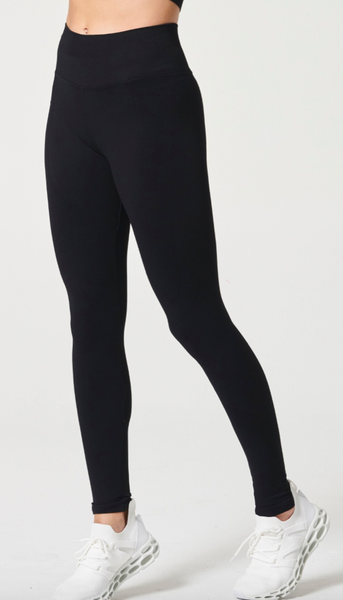 NUX One by One Leggings - Black