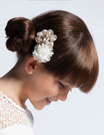 Load image into Gallery viewer, Flower Clip for Girl Linen