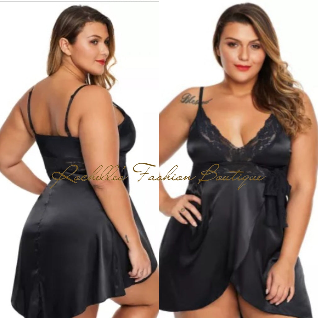 Black Lace V Necklace Plus Size Babydoll