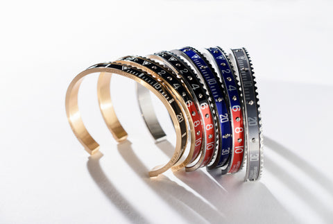 Speedometer Official - Bangle - Yellow Gold w Red & Blue | SO-BNG-YGD-REDBE-10