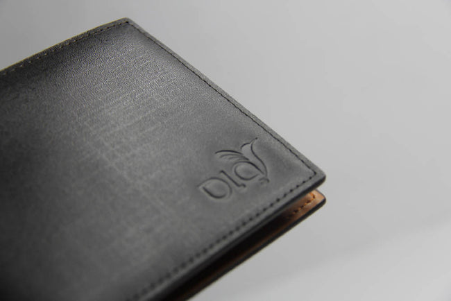 Ola Billfold Coin Wallet in Brown
