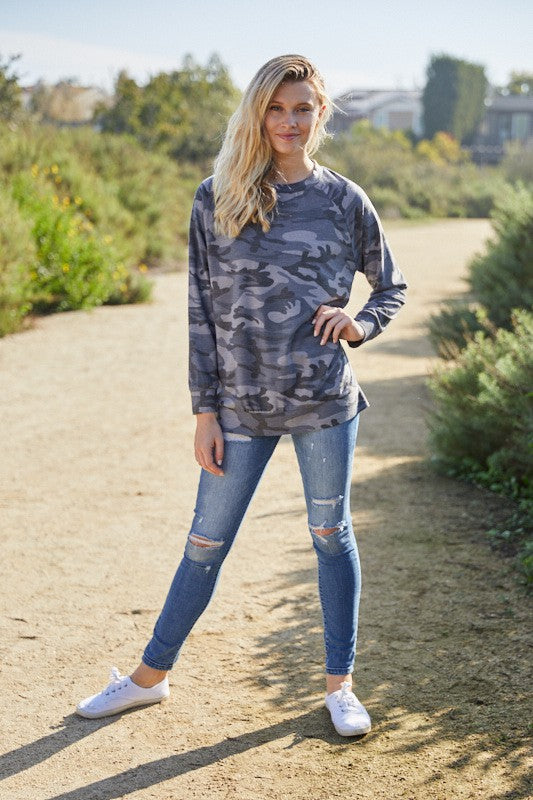 LONG SLEEVE CAMOUFLAGE SWEATSHIRT