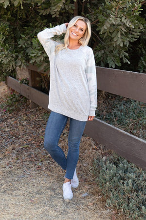 LONG SLEEVE CAMO SLEEVES SWEATER KNIT