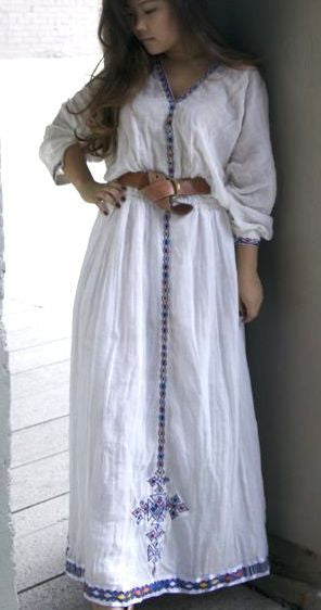 White long sleeved traditional ethiopian dress with blue for Ethiopian traditional wedding dress designer