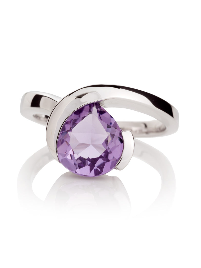 Sensual Silver ring with Amethyst