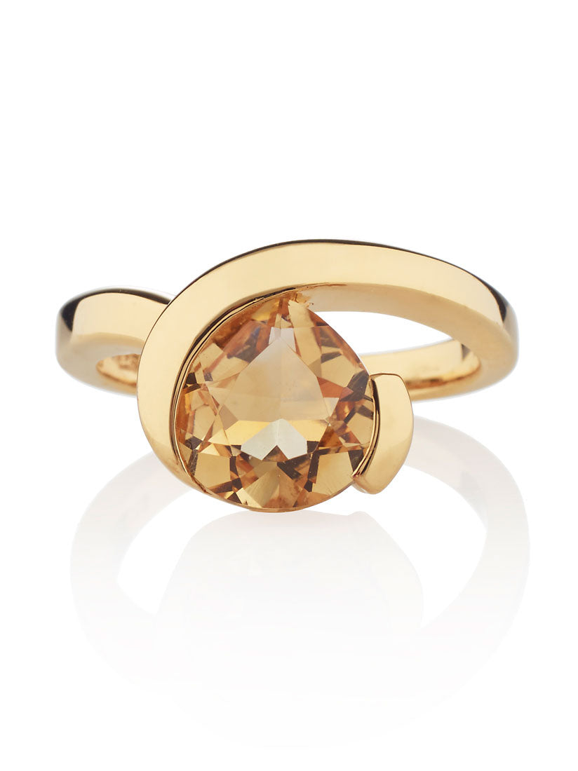 Sensual Gold Ring with Citrine