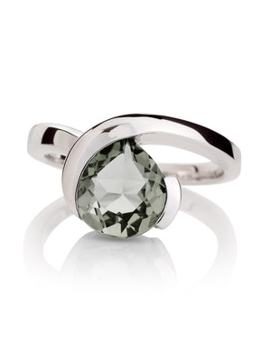 Sensual Silver ring with Green Amethyst