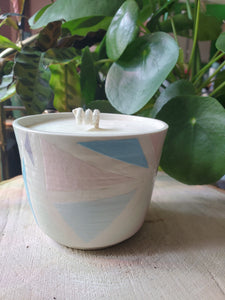 Geo pottery candle