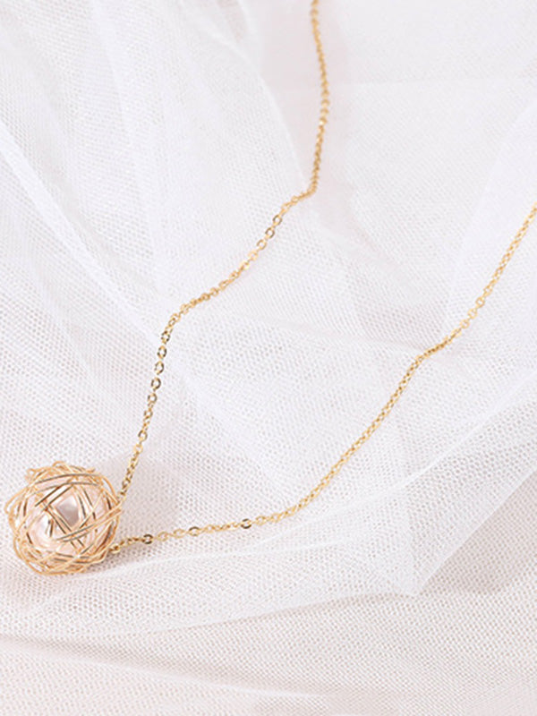 Hollow Out Peal Necklace