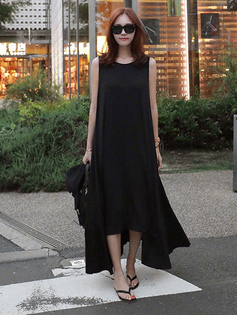Loose Irregular Sleeveless Long Black Dress