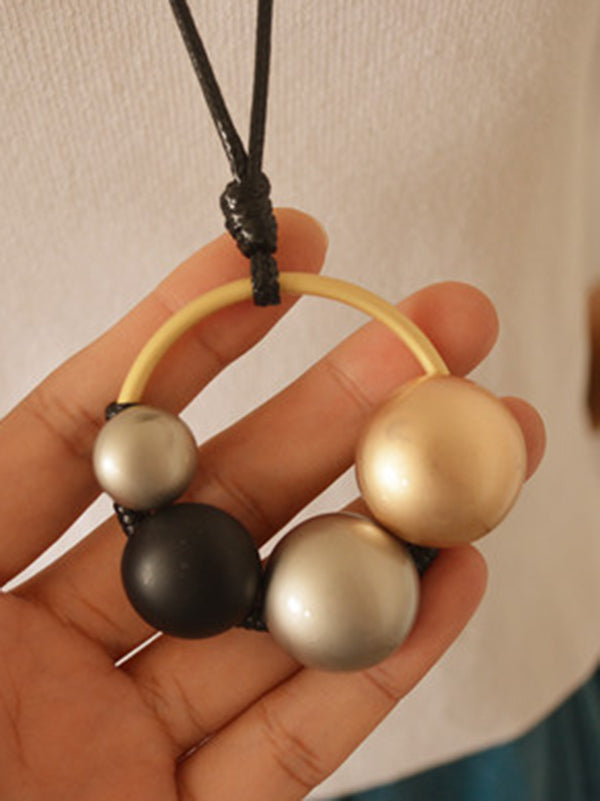 Asymmetric Size Circular Necklace