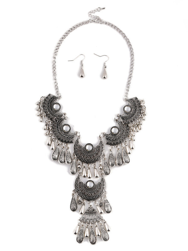 Retro Hollow Necklace Earrings Set