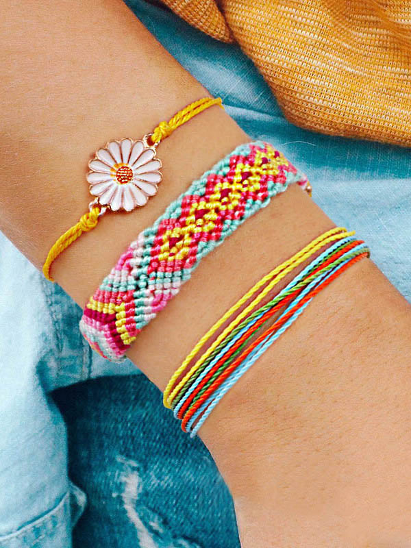 Daisy Pattern Colorful Bracelet Set