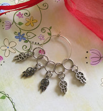 Load image into Gallery viewer, Set of 5 Dreamcatchers Stitch Markers