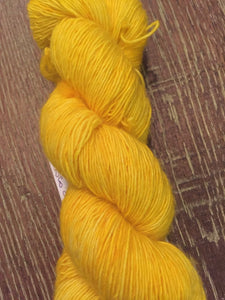Superwash Merino Single Ply Fingering Yarn, 100g/3.5oz, Disco Stick