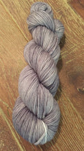 Load image into Gallery viewer, Superwash Merino DK/Light Worsted Yarn Wool, 100g/3.5oz, Isaac